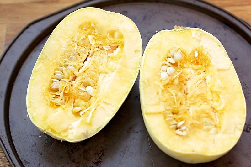 """Twice Baked Spaghetti Squash """"Mac n' Cheese""""- this spaghetti squash recipe is super easy to make and much lighter than traditional mac n' cheese. SO yummy!! │ bbritnell.com"""
