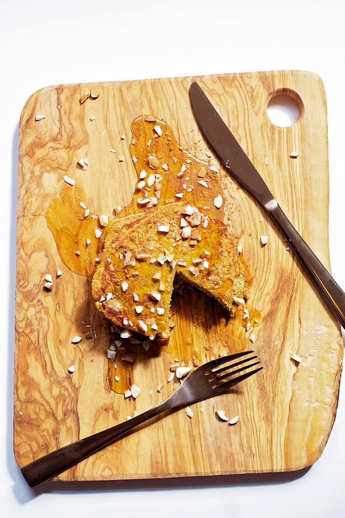 Pumpkin-Protein-Pancakes-16