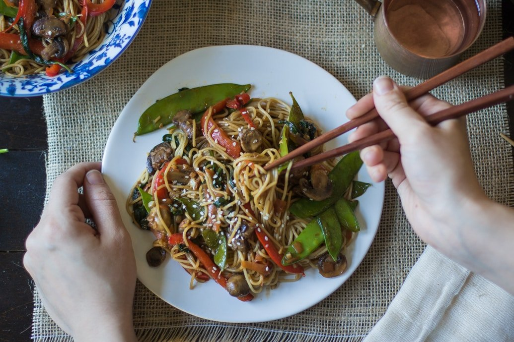Vegan Lo Mein Noodles