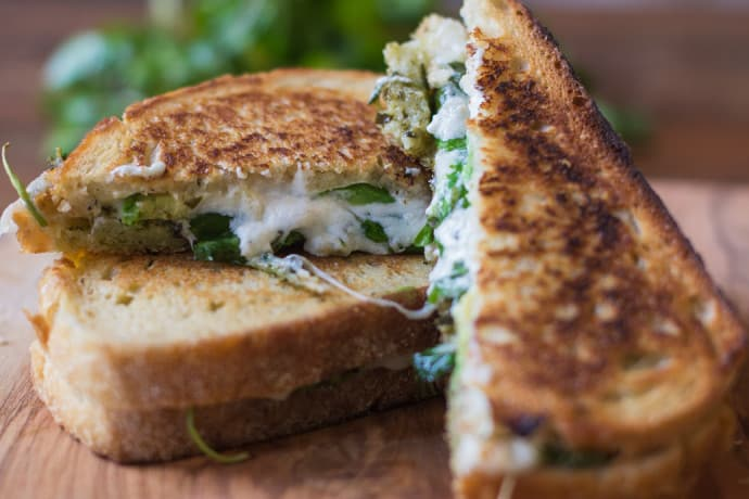 pesto grilled cheese-8