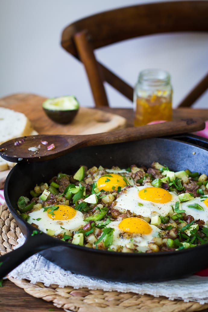 Red Potato Skillet Hash- this recipe is super simple to make and the perfect savory breakfast! | bbritnell.com
