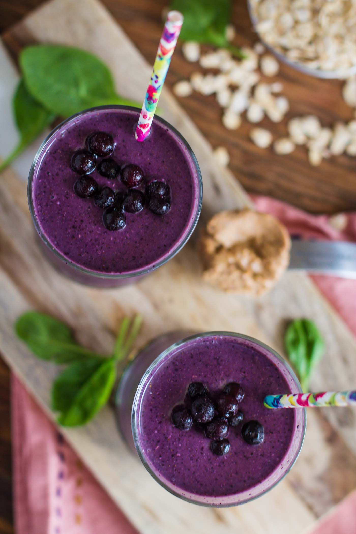 How to make blueberry smoothies: a recipe with a photo
