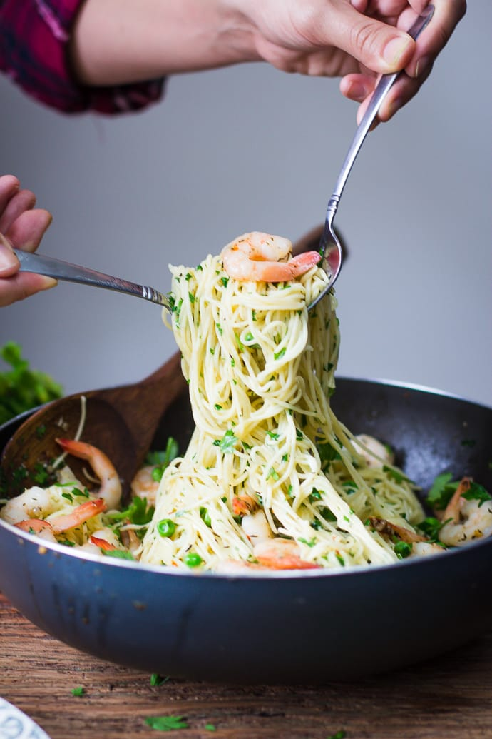 Garlic Buttered Shrimp Pasta- this recipe comes together in just about 20 minutes in makes for the perfect weeknight dinner! | bbritnell.com