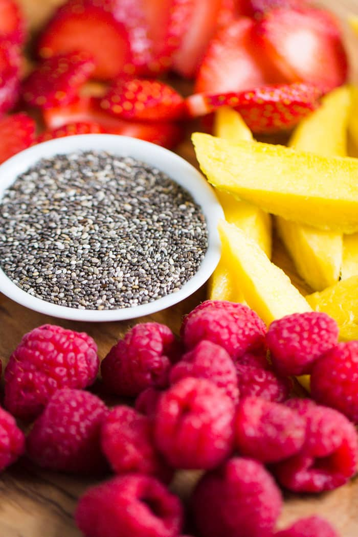 Tropical Berry Smoothie Bowl- this recipe is easy to make and SO very satisfying and healthy!!