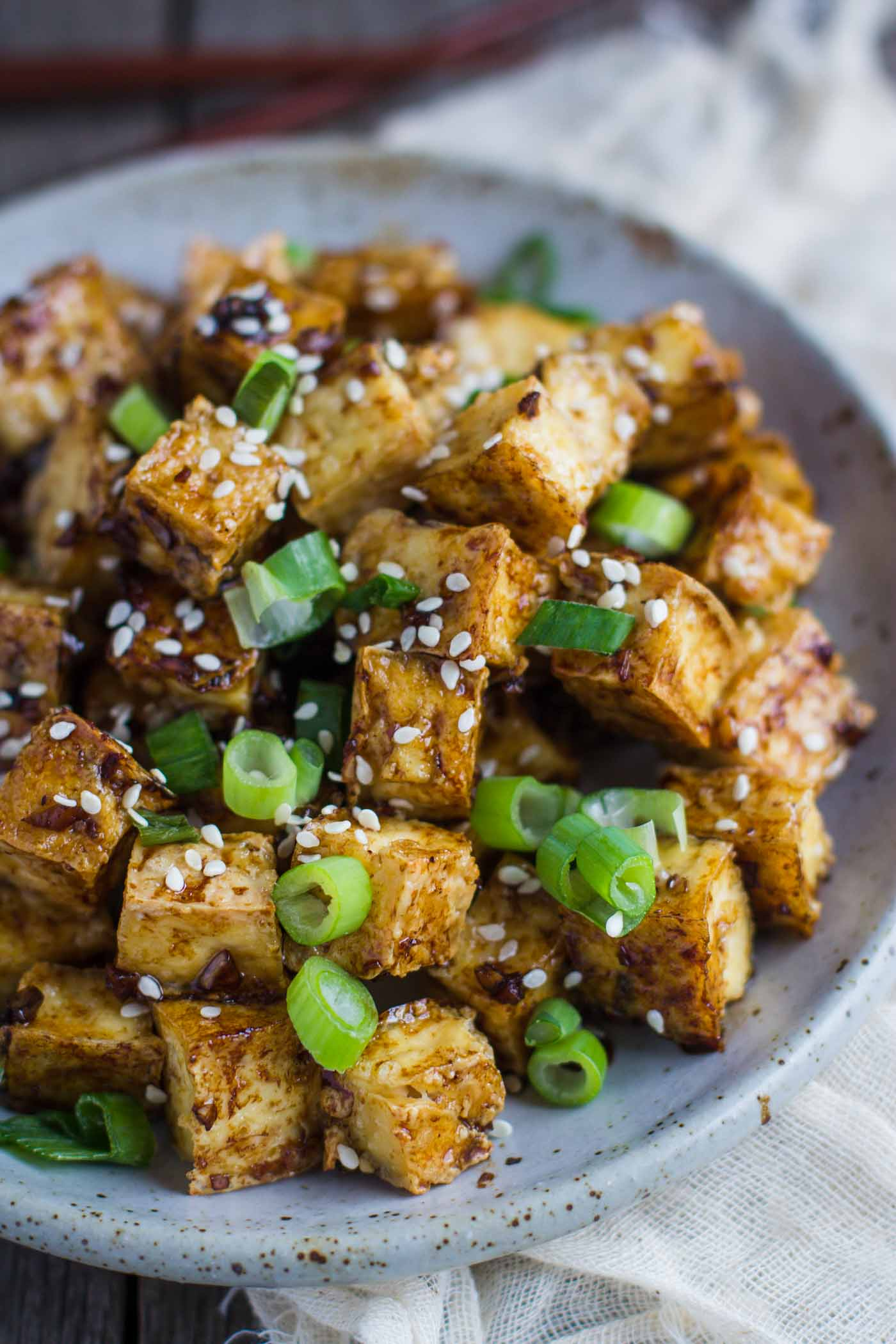Green Onion & Garlic Crispy Tofu- this is SO easy to make, VEGAN, VEGETARIAN, and a great meat substitute for any dish!