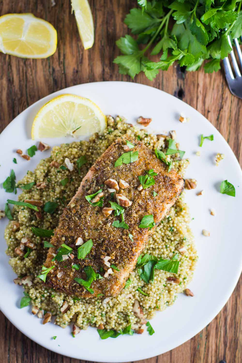 Pecan Crusted Salmon- this recipe is SO easy to throw together and one of the most delicious ways that you will ever make salmon for dinner!