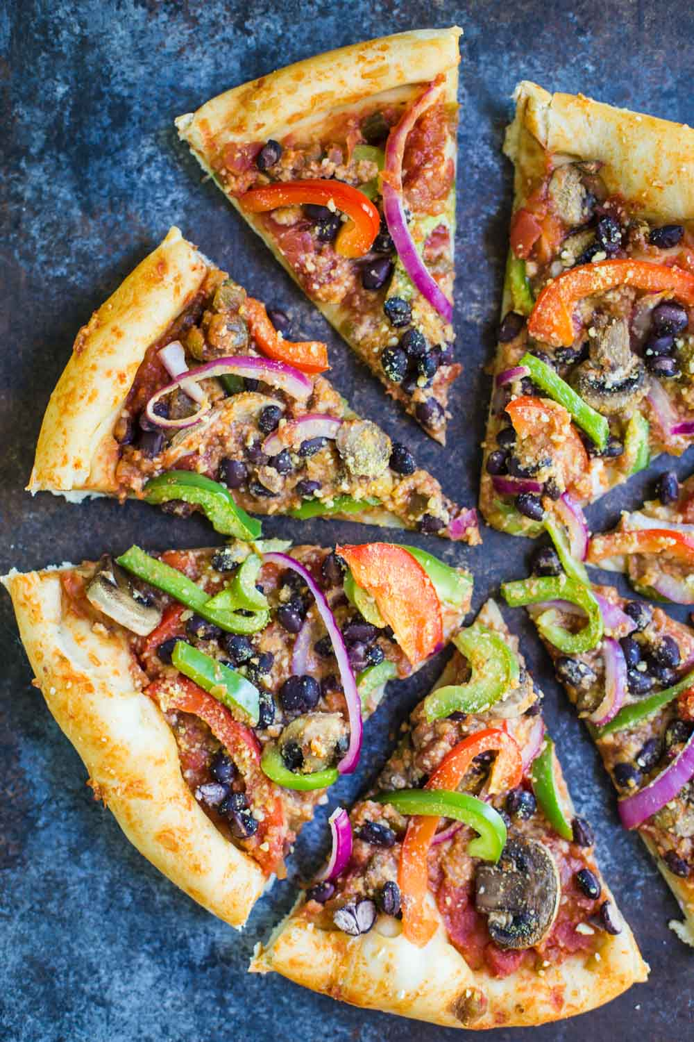 Fajita Pizza- VEGAN, super easy to make, packed with veggies, and SO delicious!!