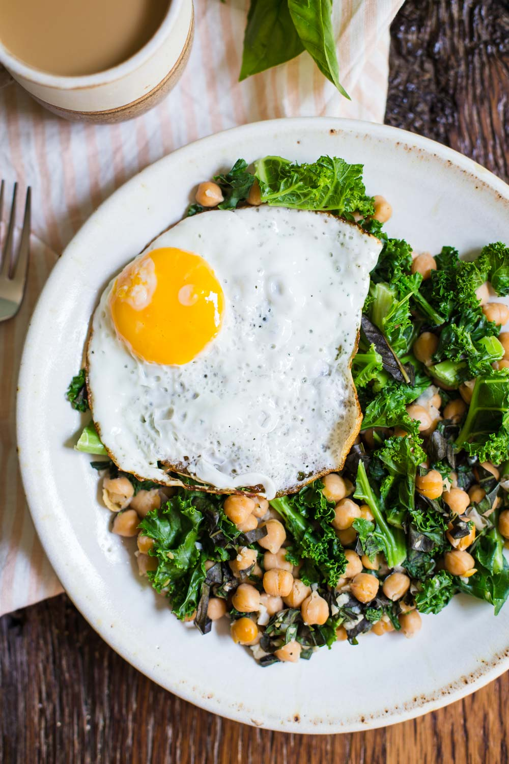 Chickpea and Kale breakfast skillet-1