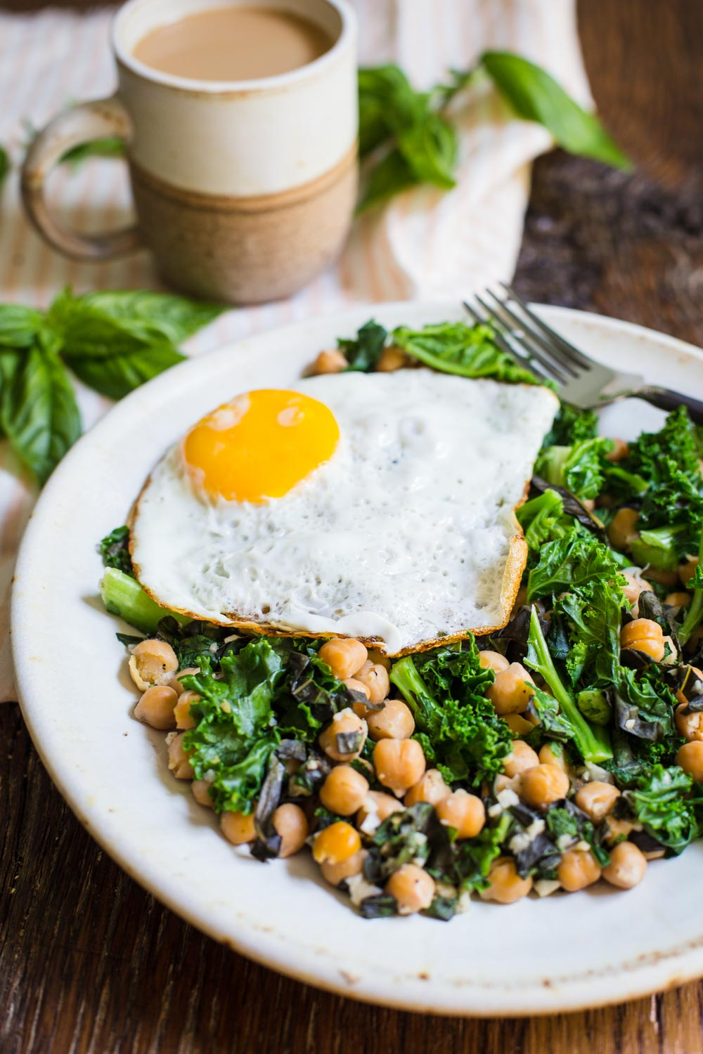 Chickpea and Kale breakfast skillet-3