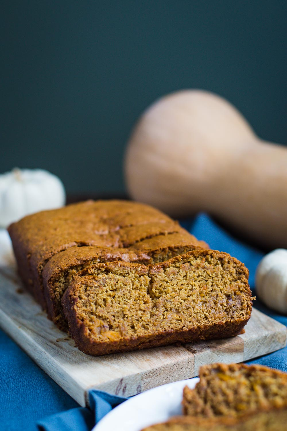 Butternut Squash Bread- this simple autumnal bread is just like pumpkin bread but with butternut squash puree instead. It's also FULLY vegan!