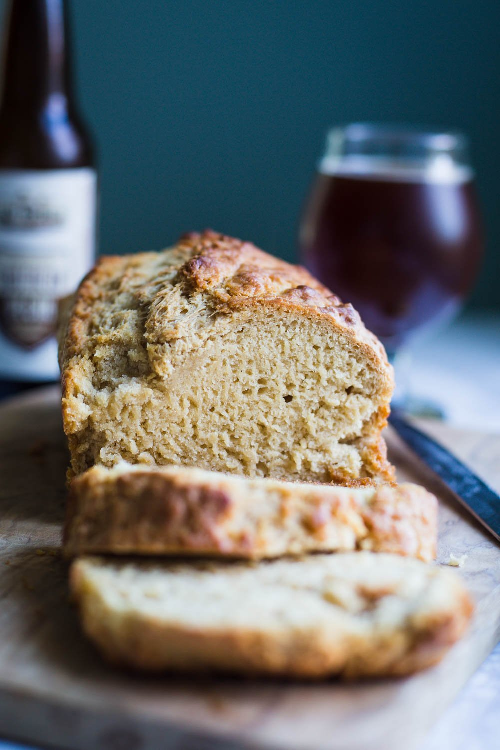 Simple Vegan Beer Bread- this easy to bake homemade bread requires NO kneading, is super quick to throw together and something everyone will enjoy!