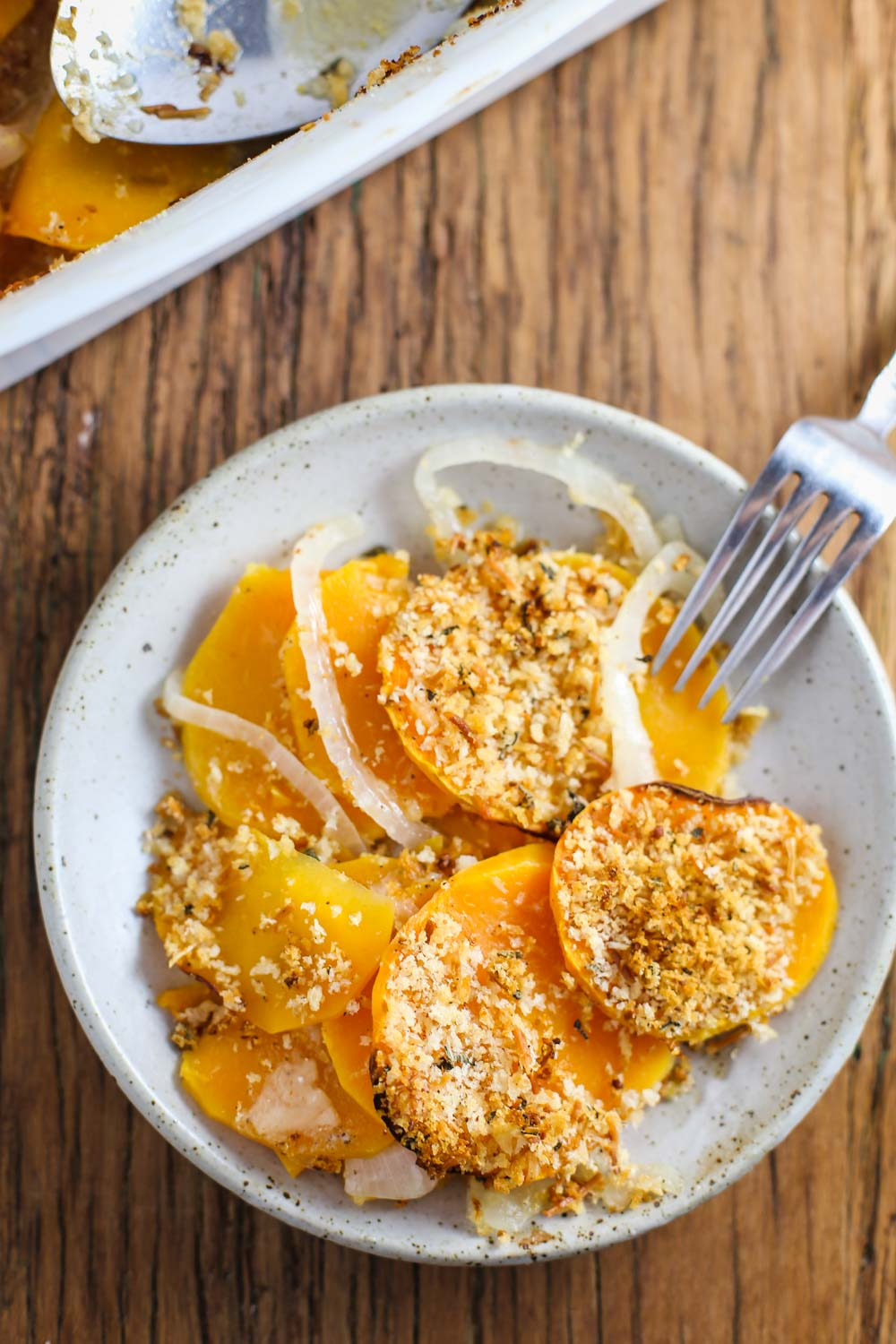 Butternut Squash Au Gratin- this vegan dish is the perfect holiday side dish and SO delicious! Super simple to make and great as a main dish too!