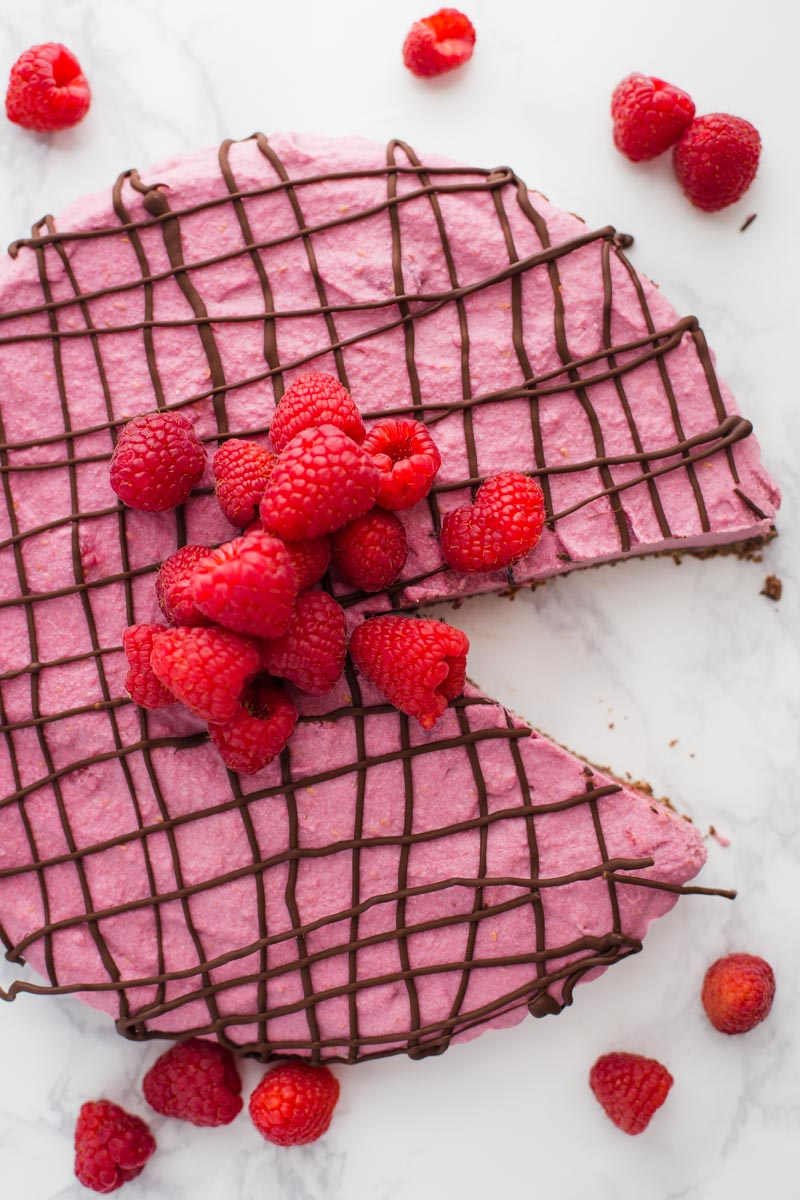 Vegan Chocolate Raspberry Tart- this SUPER EASY tart is perfect for valentines day, NO BAKE, and something that everyone will enjoy!