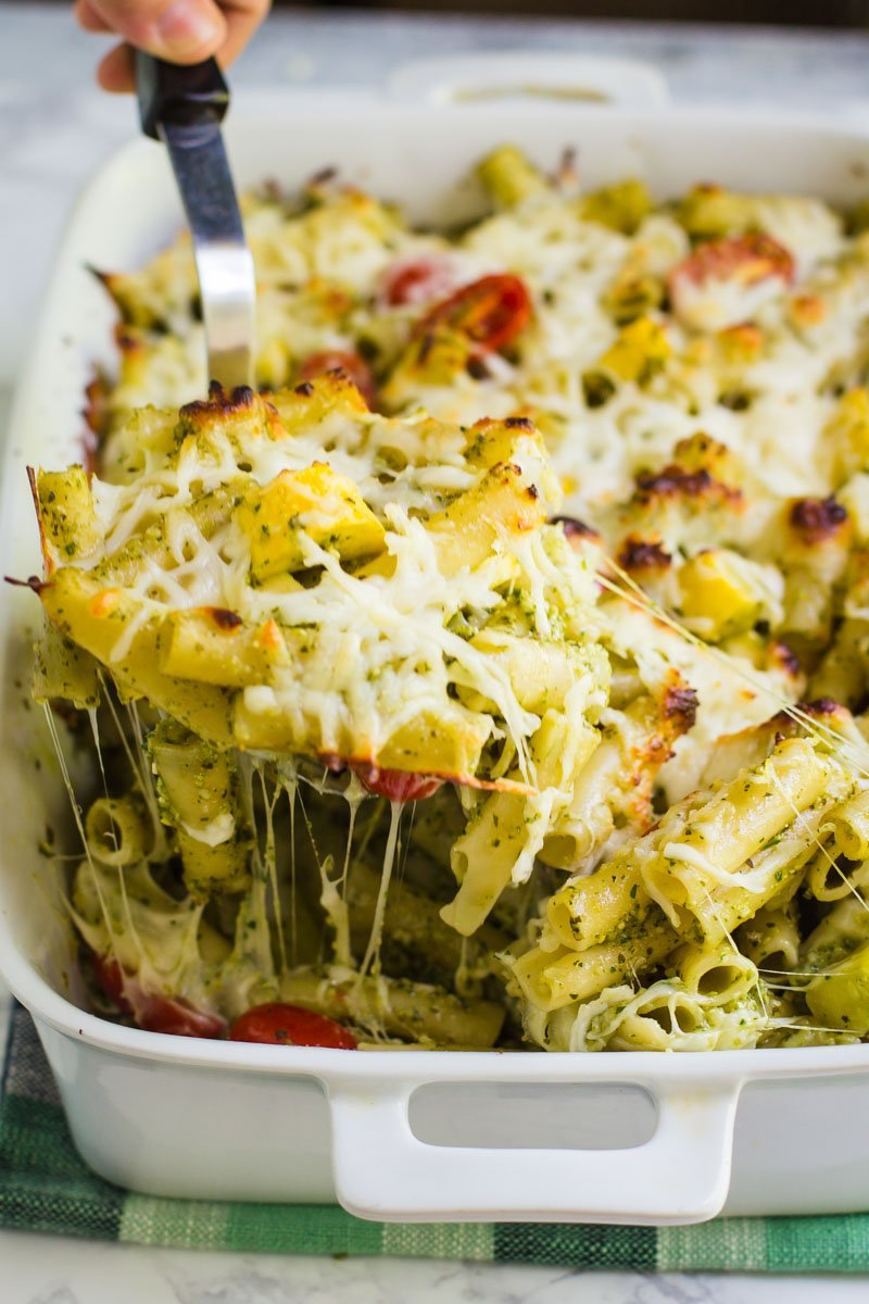 Pesto Baked Ziti- this dish is easy to throw together AND perfect for summer as you can add in lots of delicious summer produce to the mix!