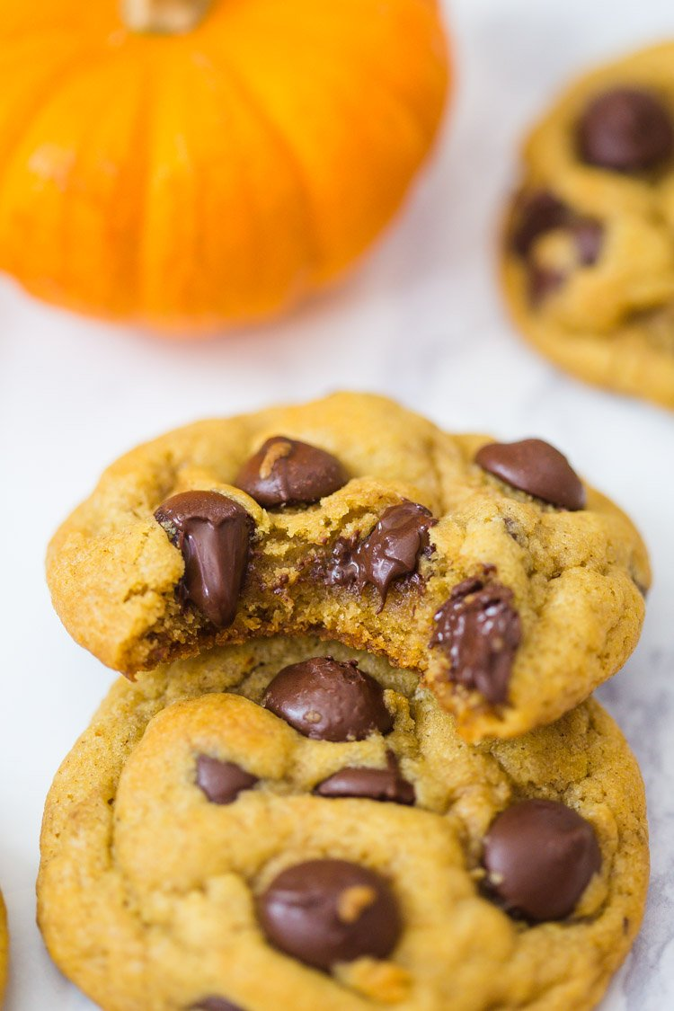 Chocolate Chip Pumpkin Cookies- these soft vegan cookies are super easy to throw together and perfect for any time of the year!
