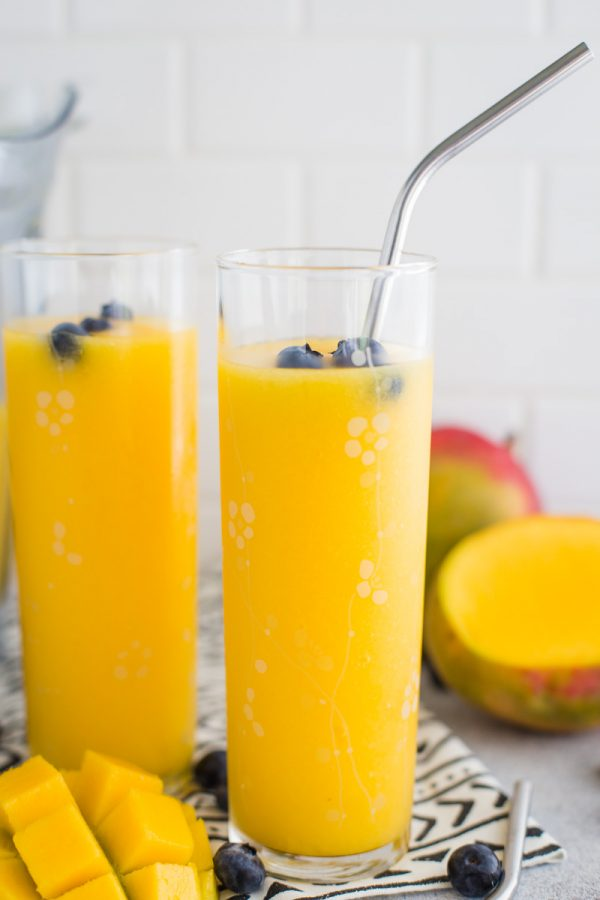 Mango Wine Slushie- super easy to make and the perfect frozen cocktail!