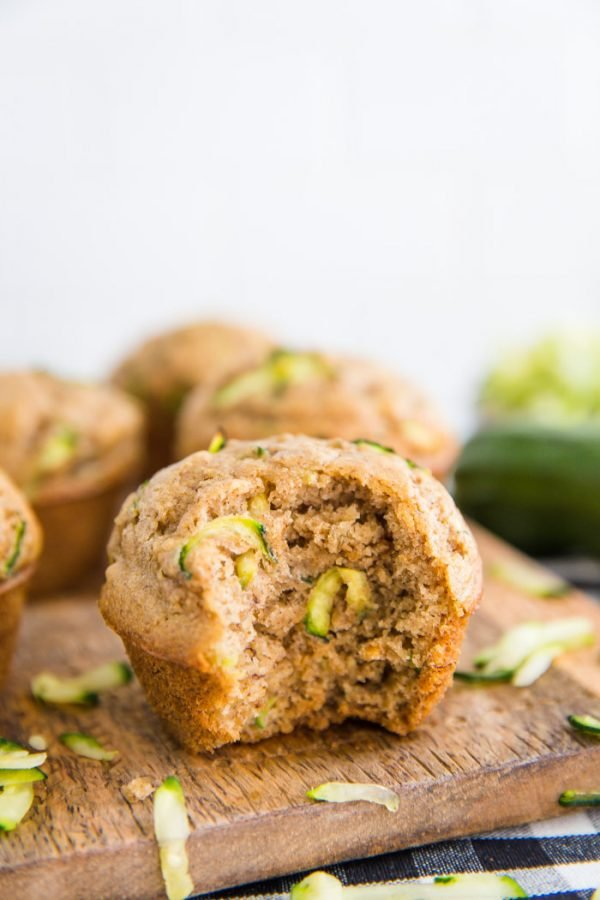 Vegan Zucchini Bread Muffins- an easy and healthy muffin recipe that's completely vegan and makes for the perfect vegan breakfast or snack!