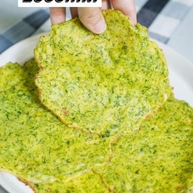 Healthy Zucchini Tortillas- these healthy veggie tortillas are easy to make and a great way to use up the last bit of summer zucchini!