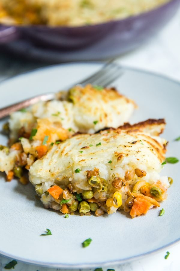 Vegetarian Shepherd's Pie- this easy vegan dinner is comfort food at it's finest and loaded with good proteins!