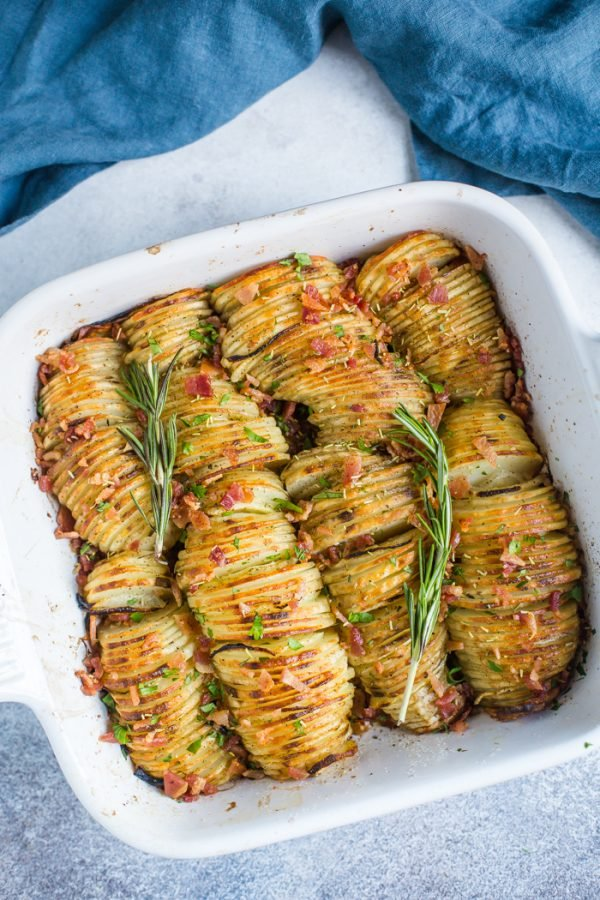 Crispy Potato Bake- this potato side dish is perfect for dinners and thanksgiving menus! The potatoes are crispy on the outside and soft on the inside!