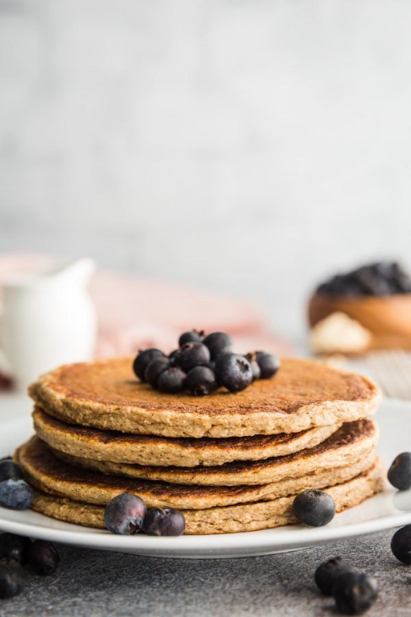 eggless protein pancakes with blueberries