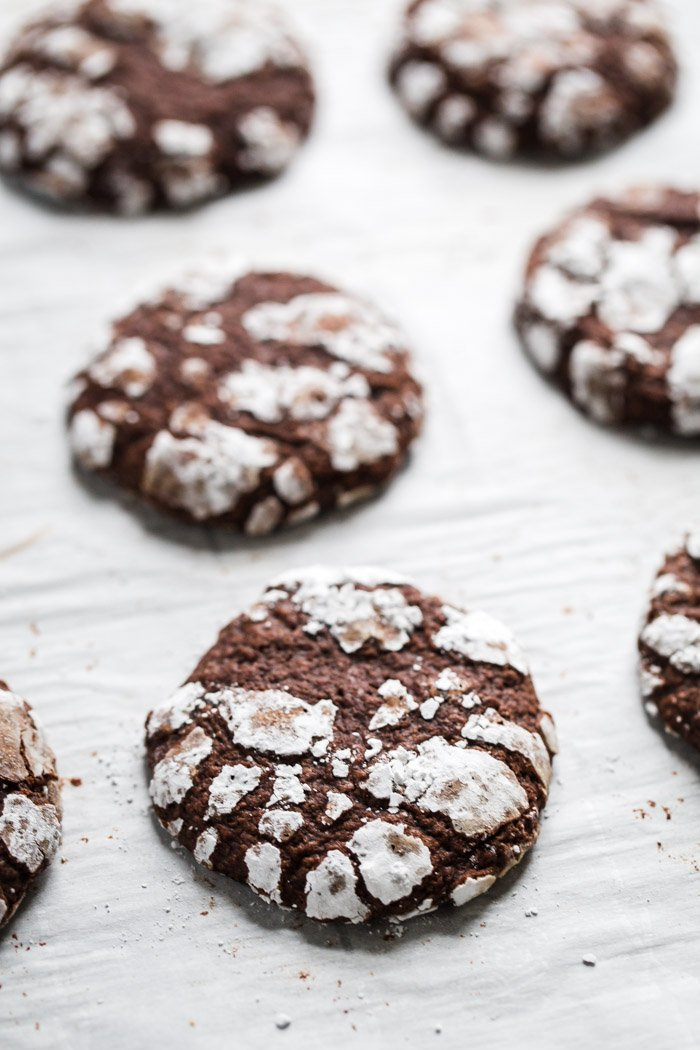 Chocolate Crinkles Cookies- these easy vegan cookies are perfect for holiday baking and a delicious treat that no one will even know is vegan!
