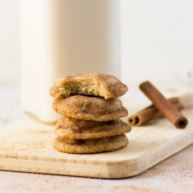 Vegan Chai Snickerdoodles -- Soft pillowy cookies rolled in an aromatic sugar chai spice blend! Perfect for the holidays, this vegan cookie recipe is a must bake! #sugarcookies #snickerdoodles #vegan #baking #cookies #holidays