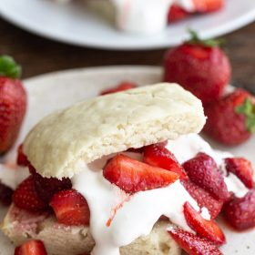The BEST Strawberry Shortcake recipe that's vegan, dairy free, and so easy to make! Perfect for strawberry season! #vegan #vegandessert #strawberryshortcake