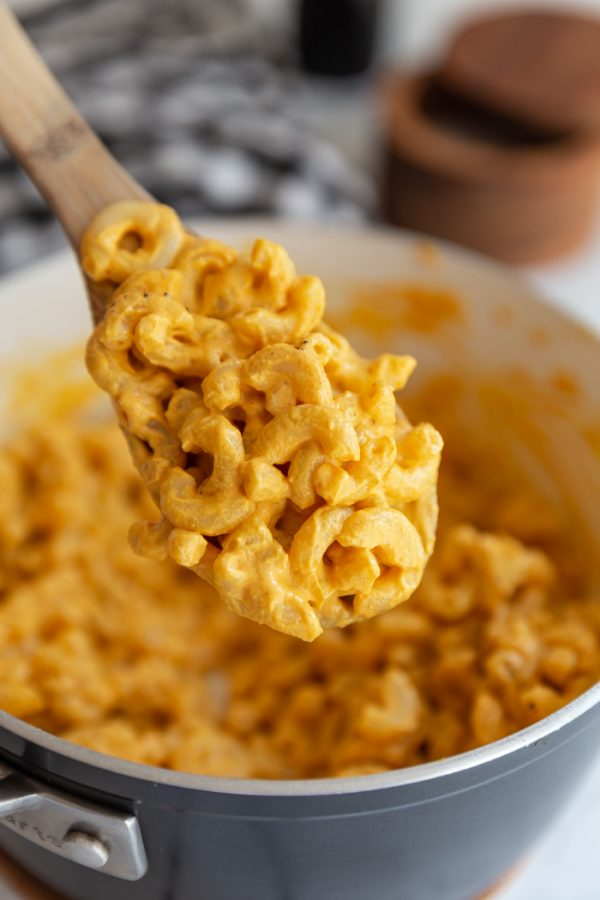 spoonful of easy vegan mac and cheese