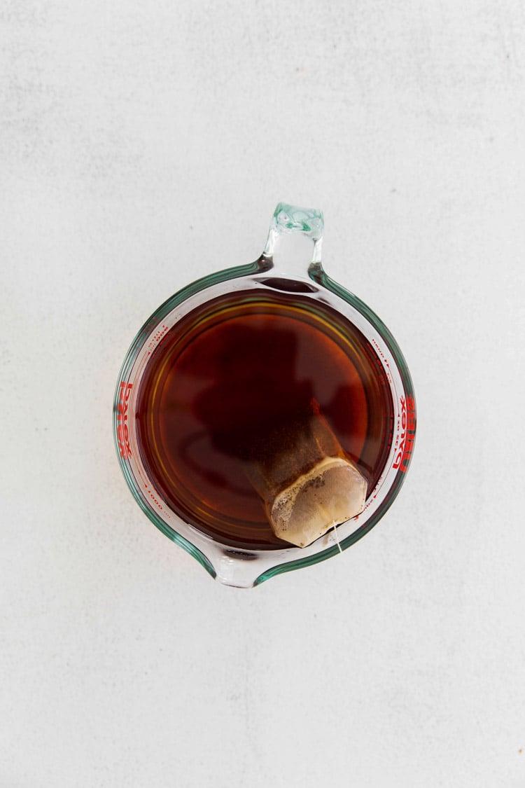 brewing black tea